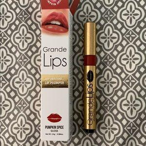 Grande Lips